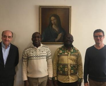 El Superior General de la Orden de las Escuelas Pías P. Pedro Aguado y el Asistente General para Asia P. József Urbán, se reúnen con el nuevo Director de ICALDE, el Dr. Herrick Mouafo y el Delegado del Padre General para el ICALDE Jean de Dieu Tagne.